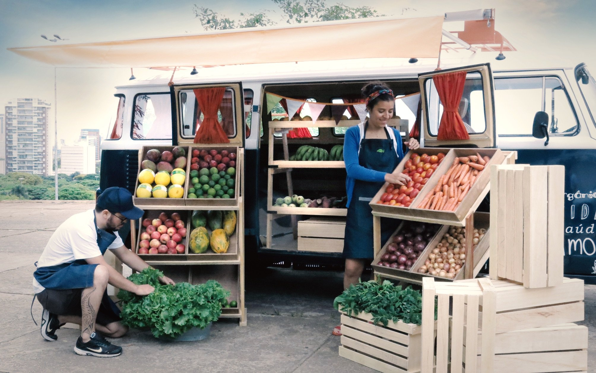 Kombi itinerante vende produtos orgânicos por São Paulo